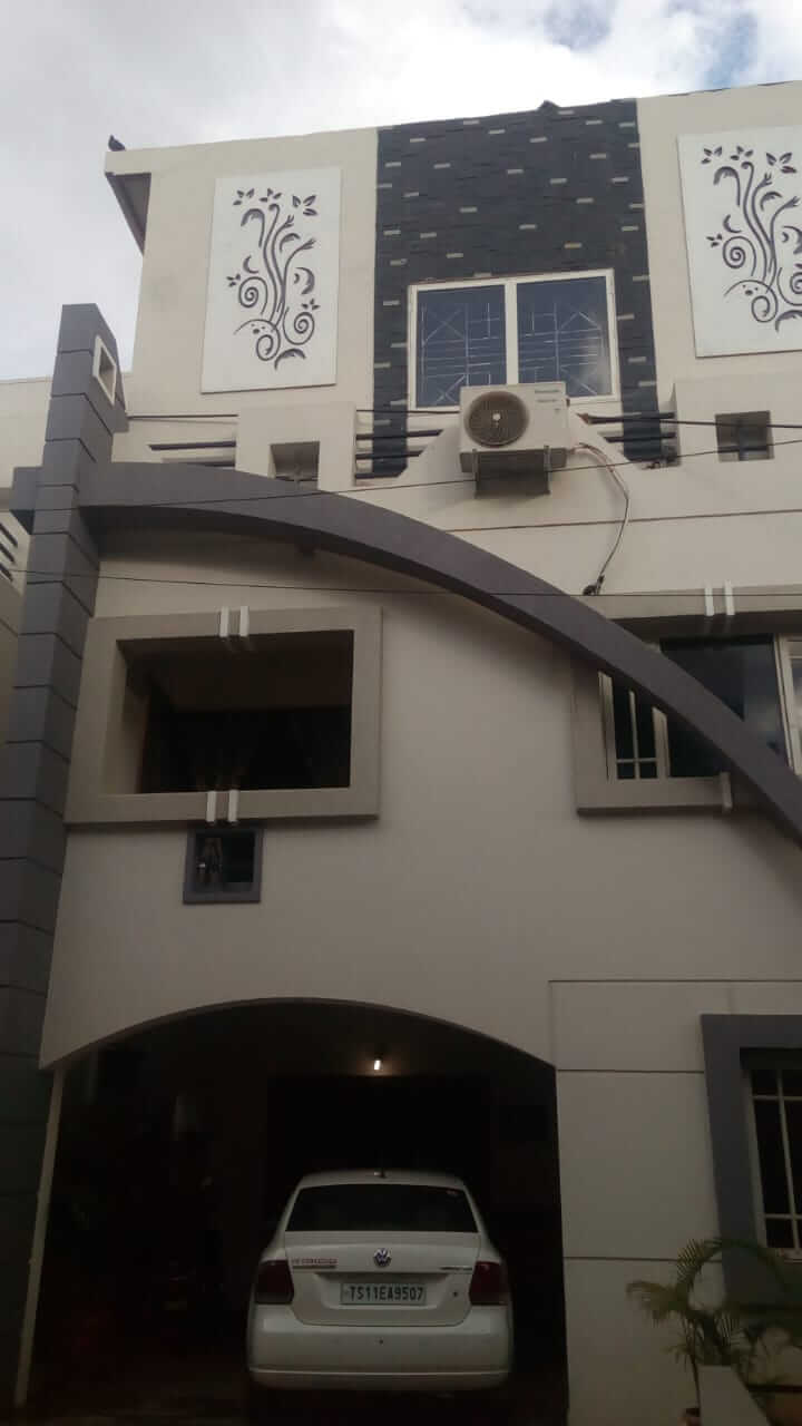 2nd Floor Commercial / Office cum residence semifurnished flat TOLET