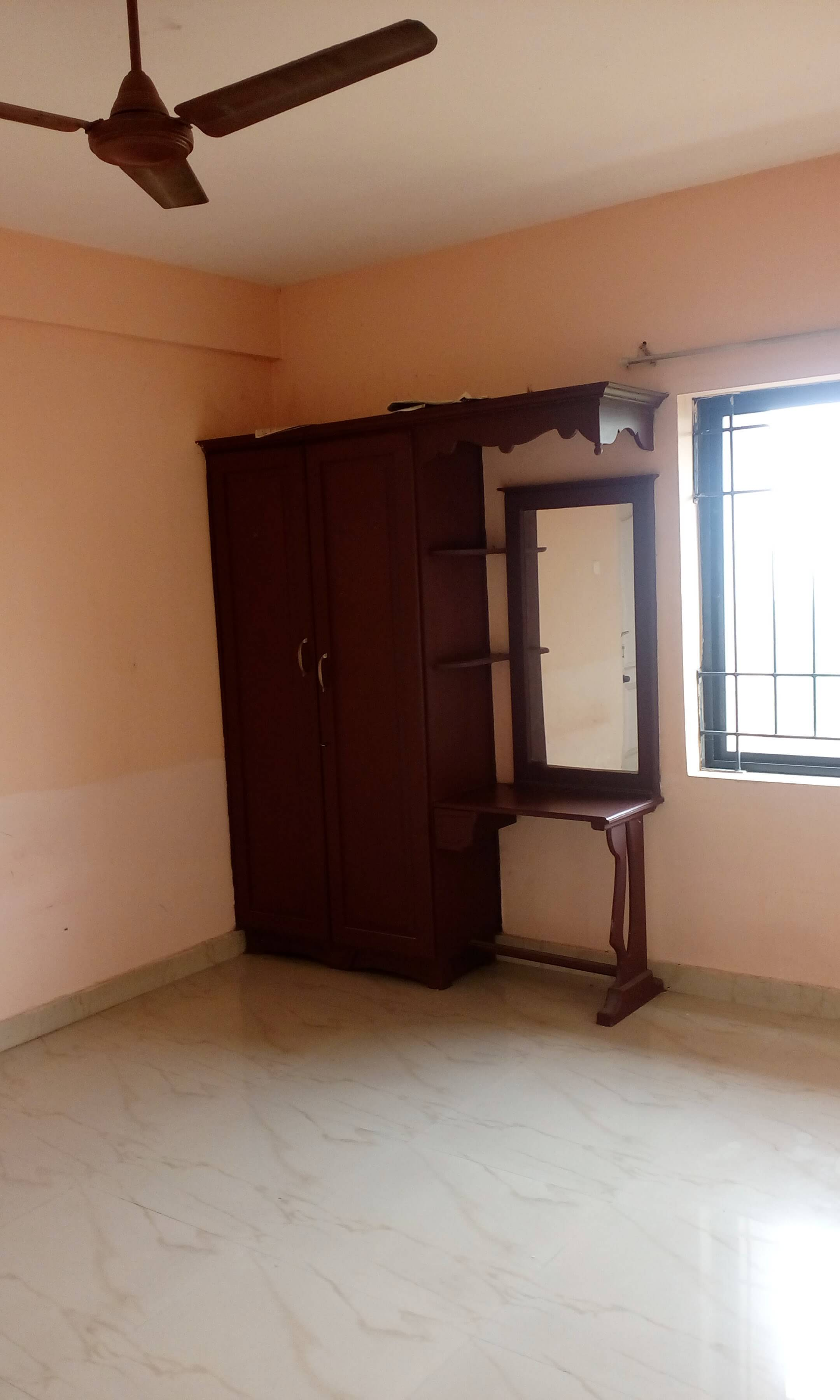 3BHK Flat with lifts Central Water Treatment and purifier installed for rent at Kakanad ,Kochi