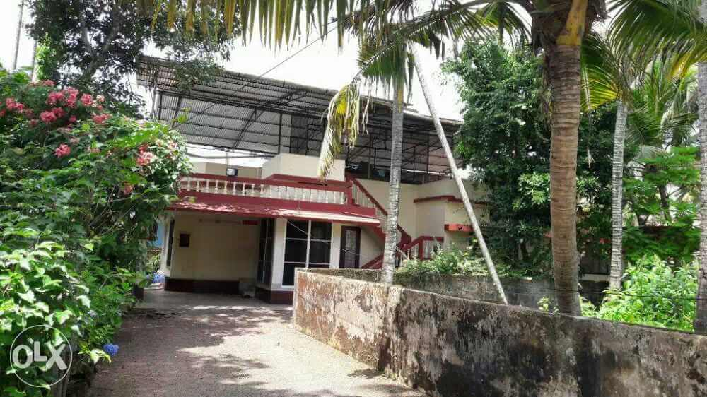 Junior Janatha Road 13 Cents with three bed room house for sale, roofing done.
