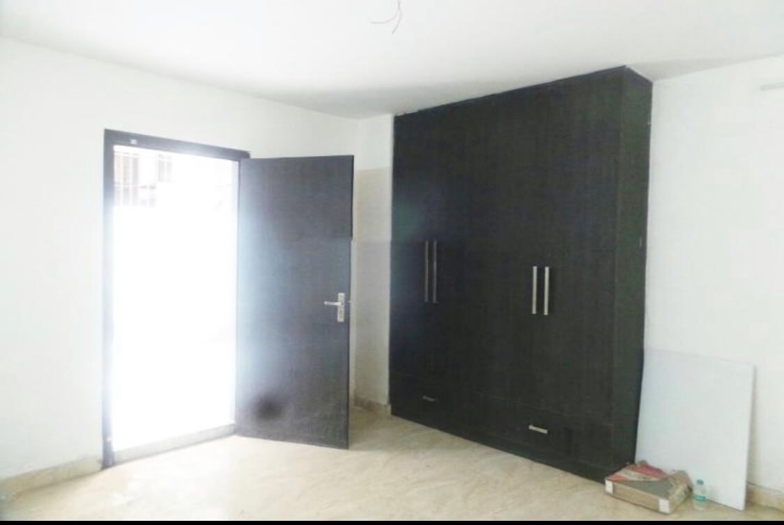 Property is for rent at Gurgaon facilities available Ac, refrigerator, water supply power backup