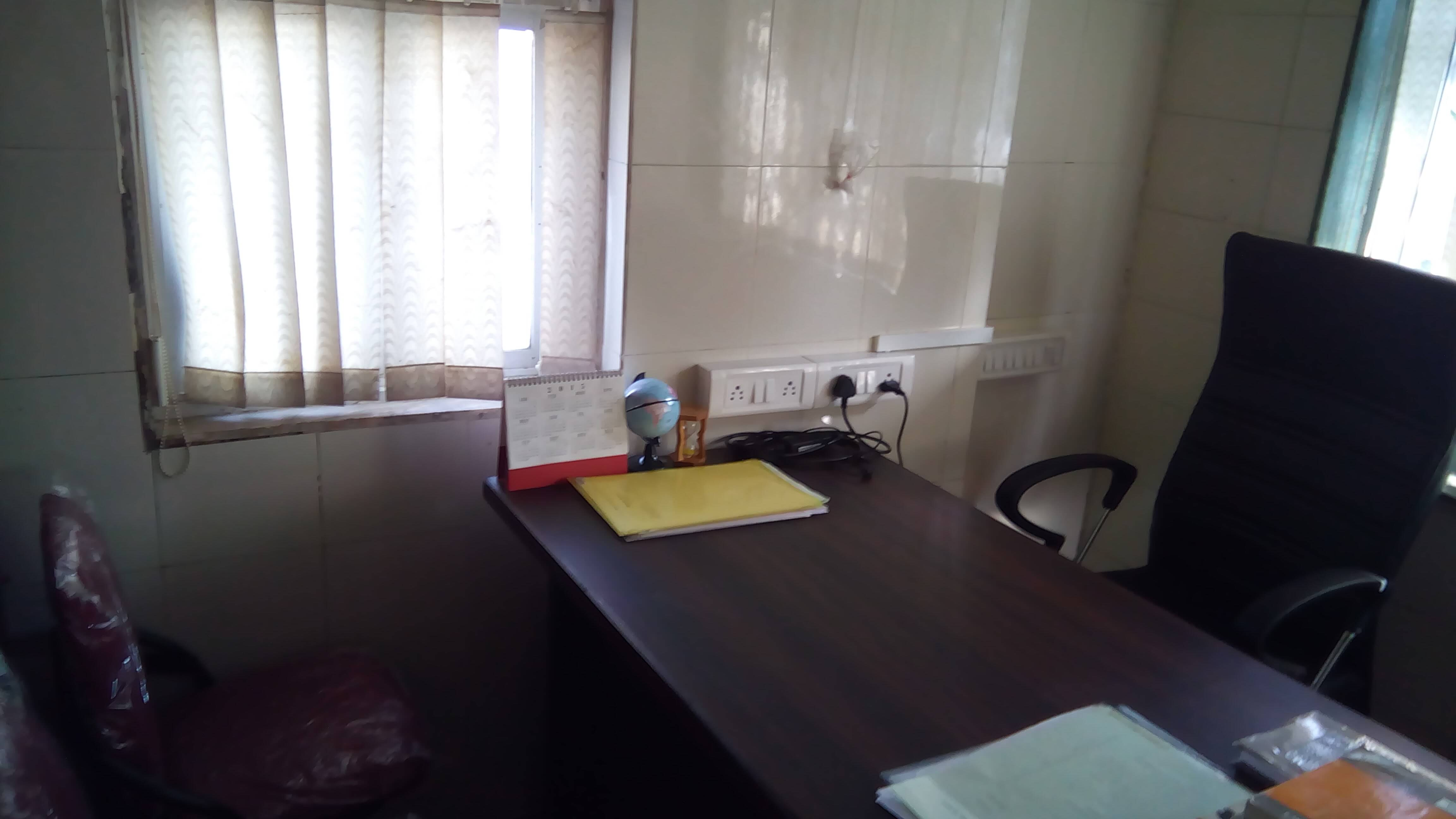Fully Furnished Office available on rent at Charni Road for rs 13500