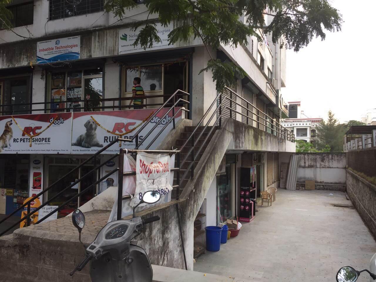 Shop for rent nxt to akurdi police chowky 4-300Sqft,  Shop 5-250Sqft, Shop 6-250Sqft .