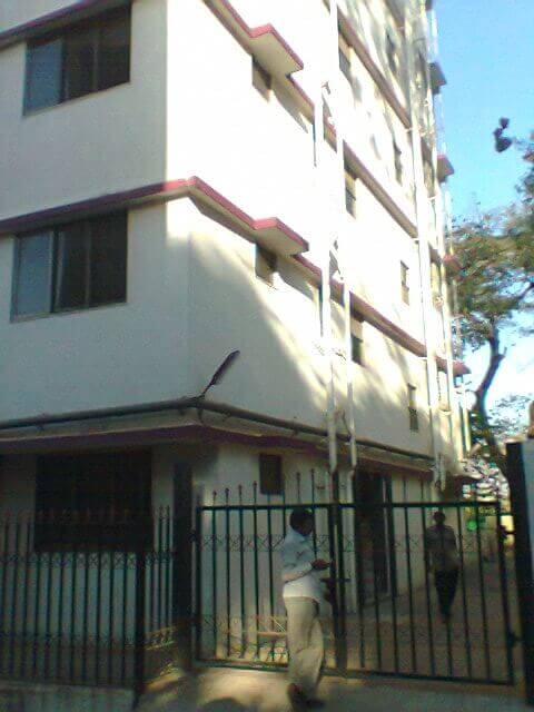 6 STOREY BLDG HAS TO BE GIVEN TO COMPANIES AS SERVICE APT or GUEST HOUSE