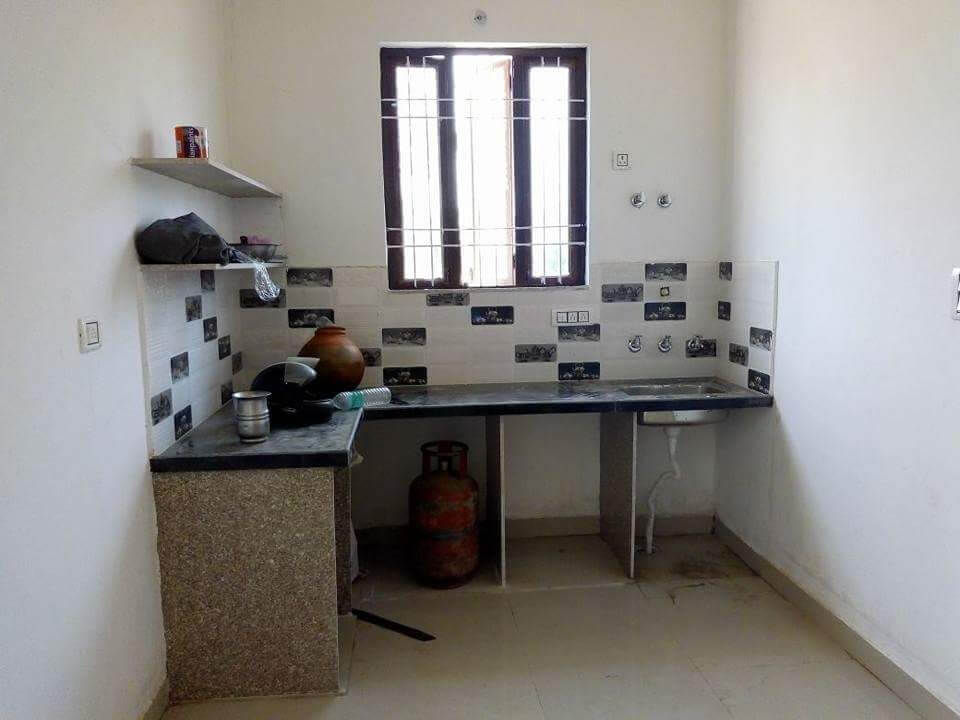 2 bhk semi furnished independent villa on agra road Near luniyawas bus stand