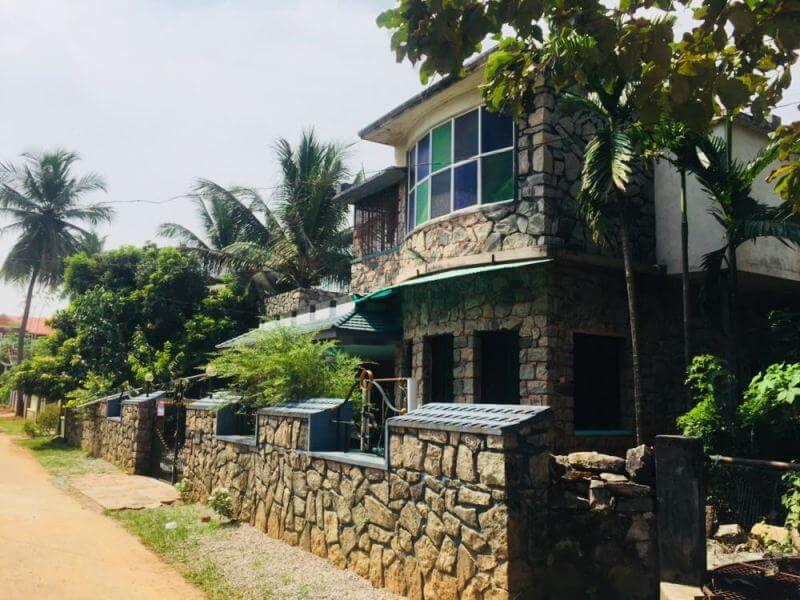 9 cent land and 2100sqft HOUSE near jilla panchayath office, Melmuri-ottapalam, Palakkad