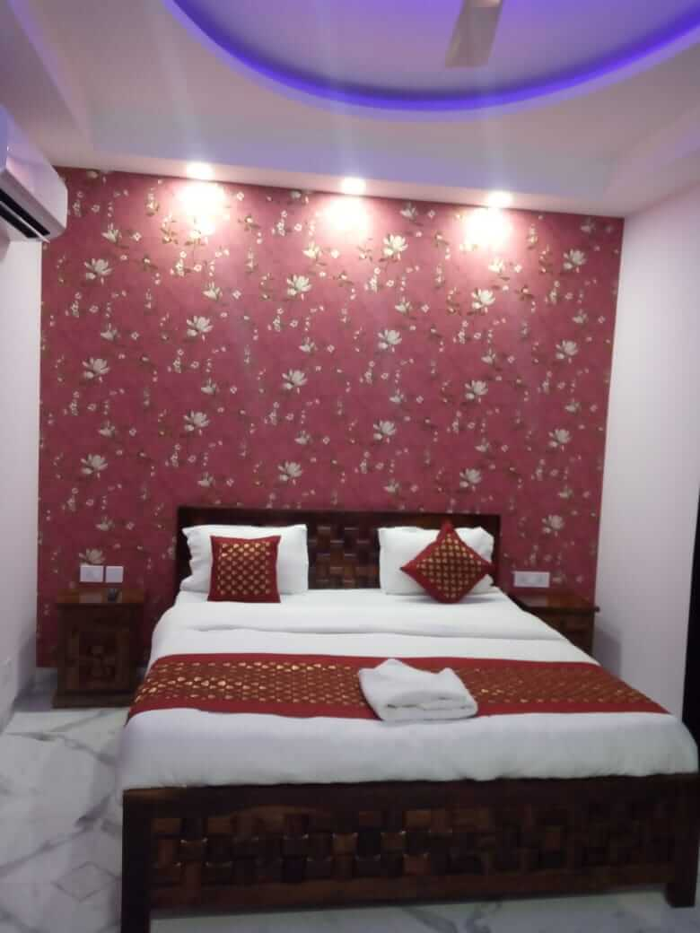 3 BHK Luxurious Lime Tree Service Apartments-1 in Gurgaon for Rent