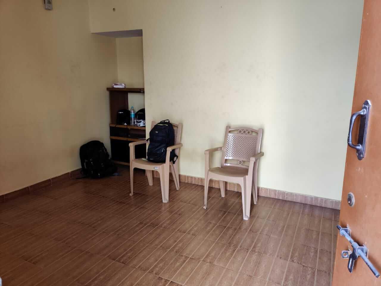 1bhk semi furnished house for rent available in bilekahalli behind IIMB Bangalore
