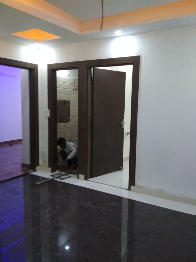 2 Bhk 900 Sq/ft Ready To Move Semi Furnished Flat In Noida Extension Just 23 Lacs