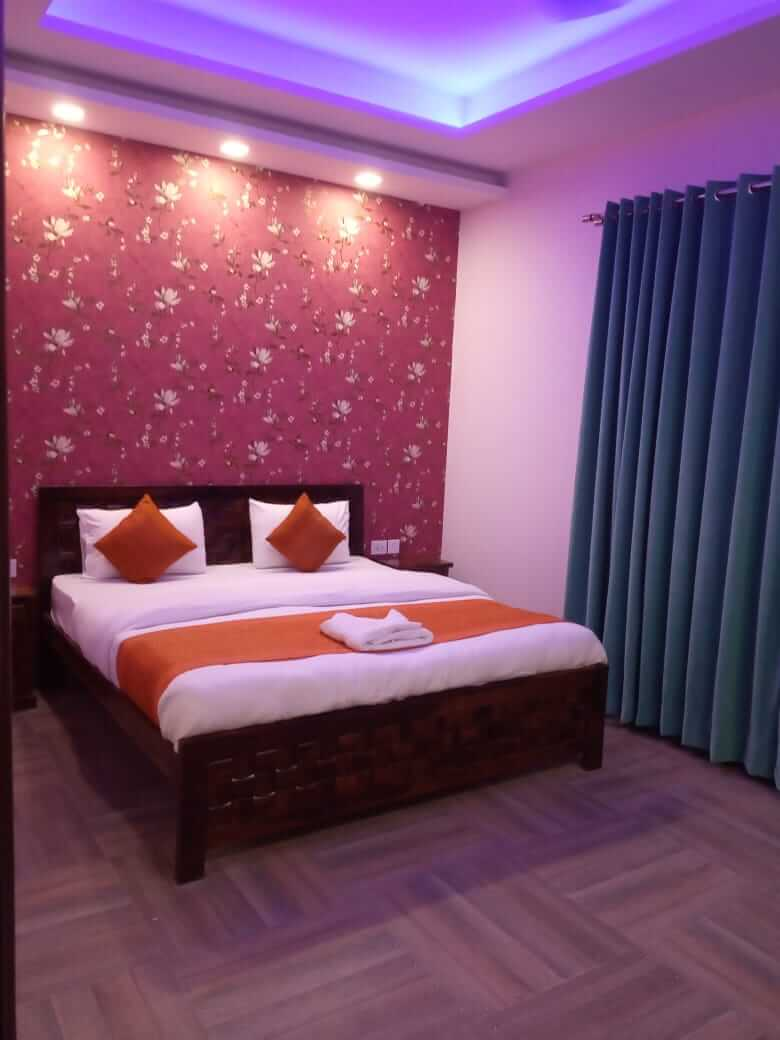 Available 3 BHK Lime Tree Service Apartment-3 for Rent in Gurgaon