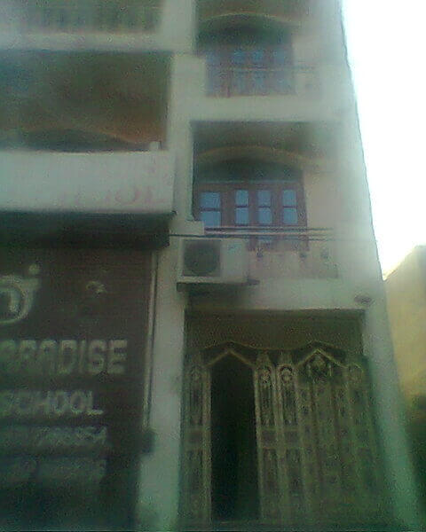 3bhk appartment is available for rent/lease  on main road yamuna vihar delhi110053.