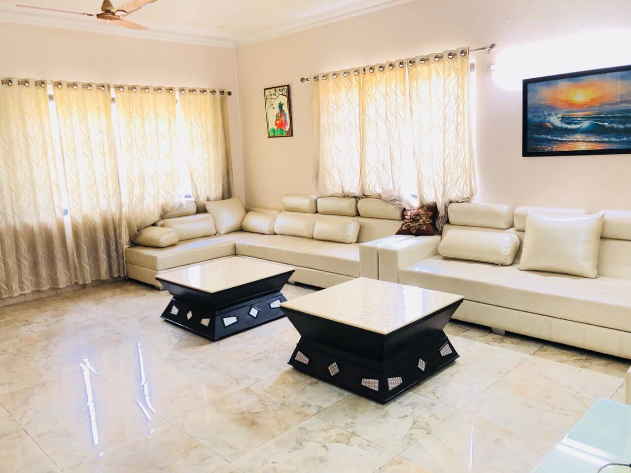 10-BHK VILLA in Sector 51, Noida. Less than 5 years old. property for Sale