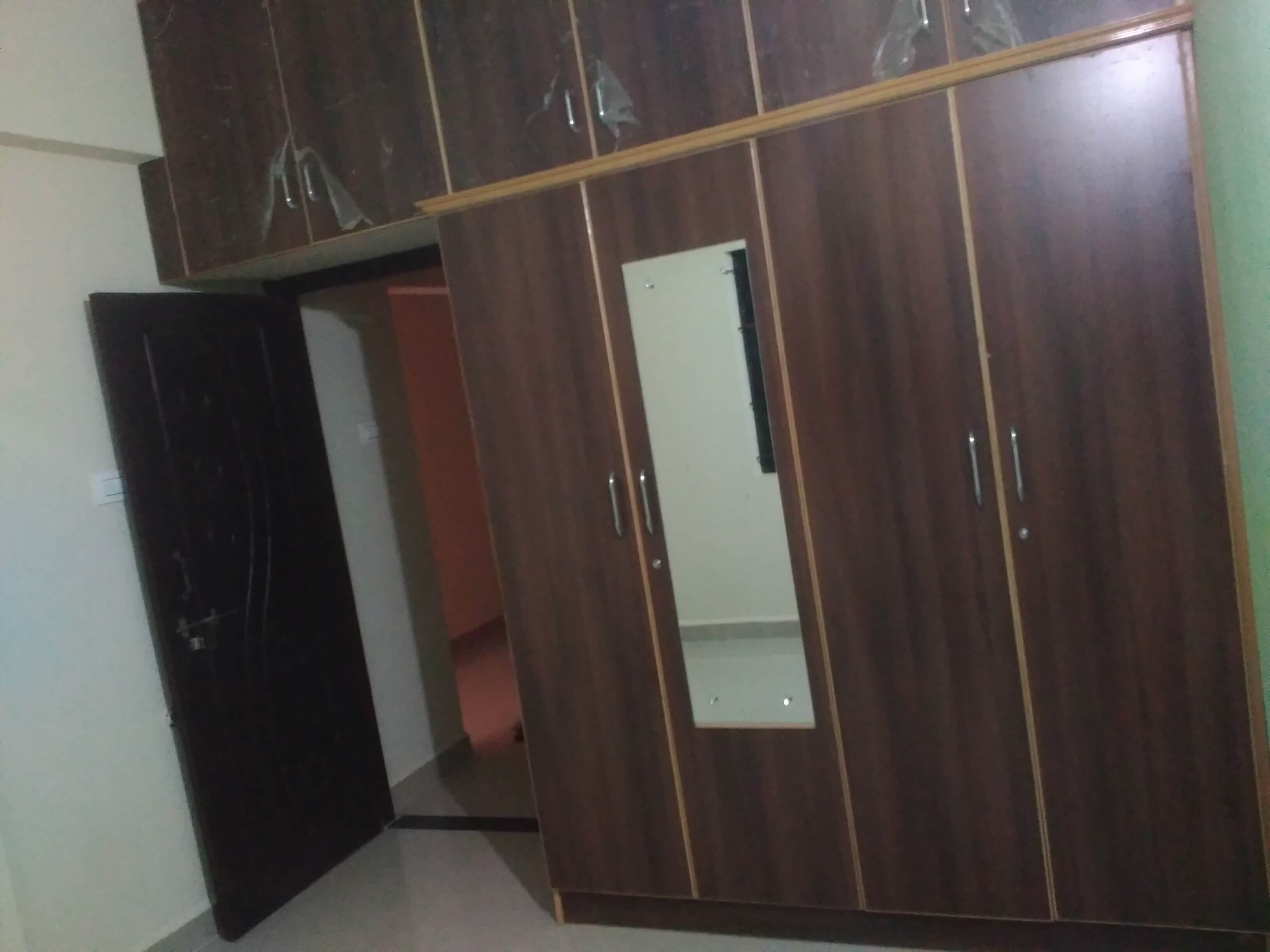 Newly constructed 2 bhk semifurnished flat for rent for vegetarians