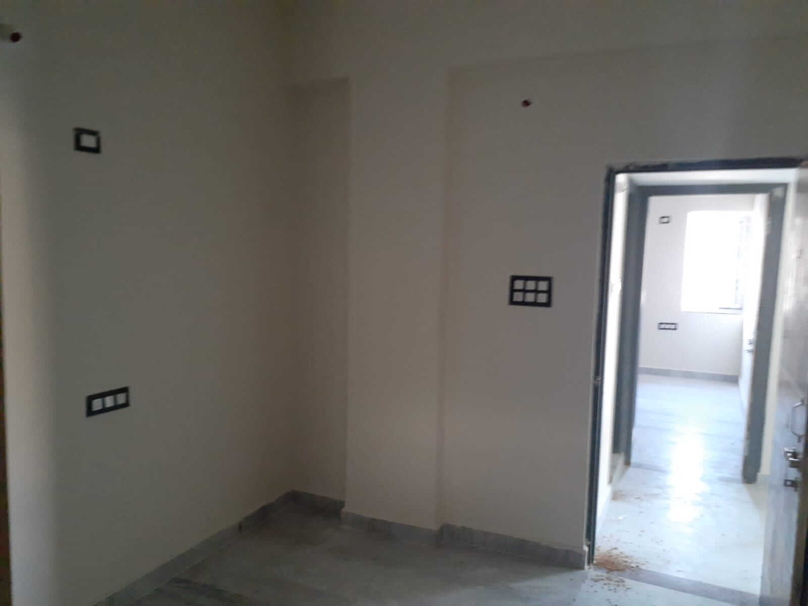 2 BHK Furnished house with water,wifi,watchman, maid fecility