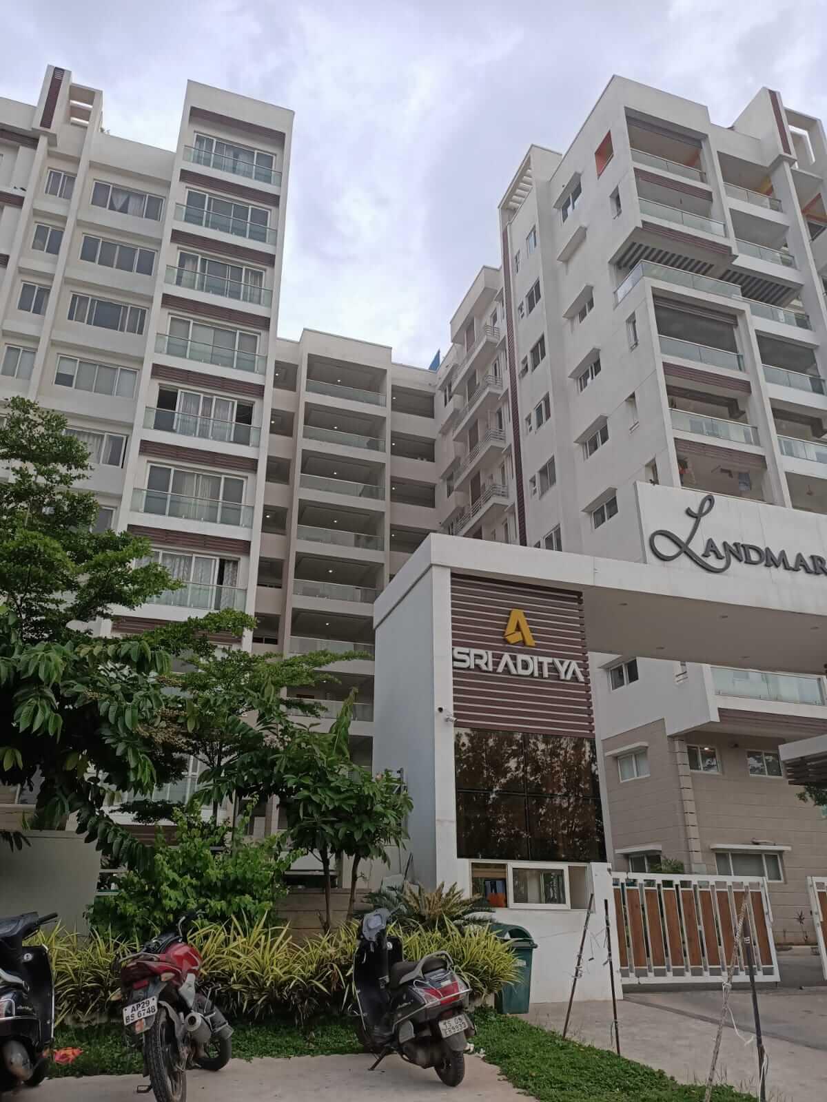 4 BHK Apartment / Flat for Rent 4500 Sq. Feet at Hyderabad, Somajiguda