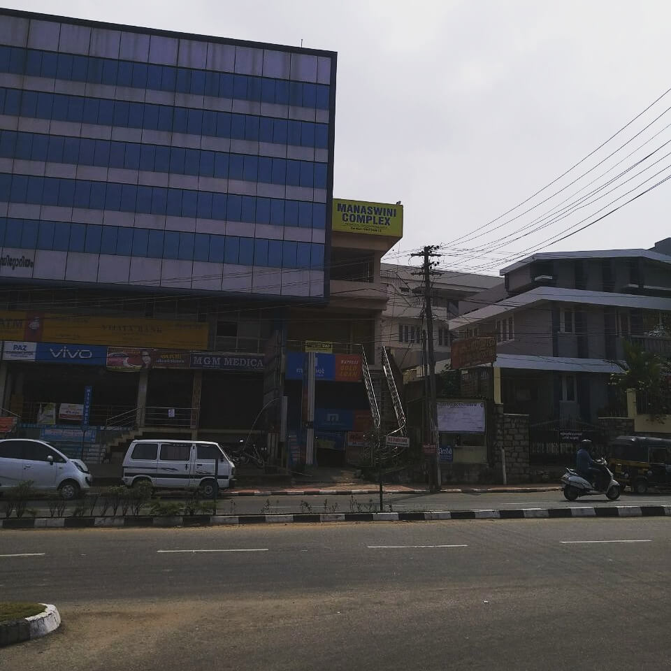 Commercial spaces for rent at prime location in Perurkada Junction (Manaswini Complex)