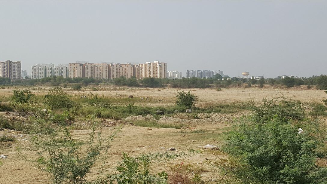 Royal city- Your dream comes true get your home at a dream location at affordable price. HURRY UP