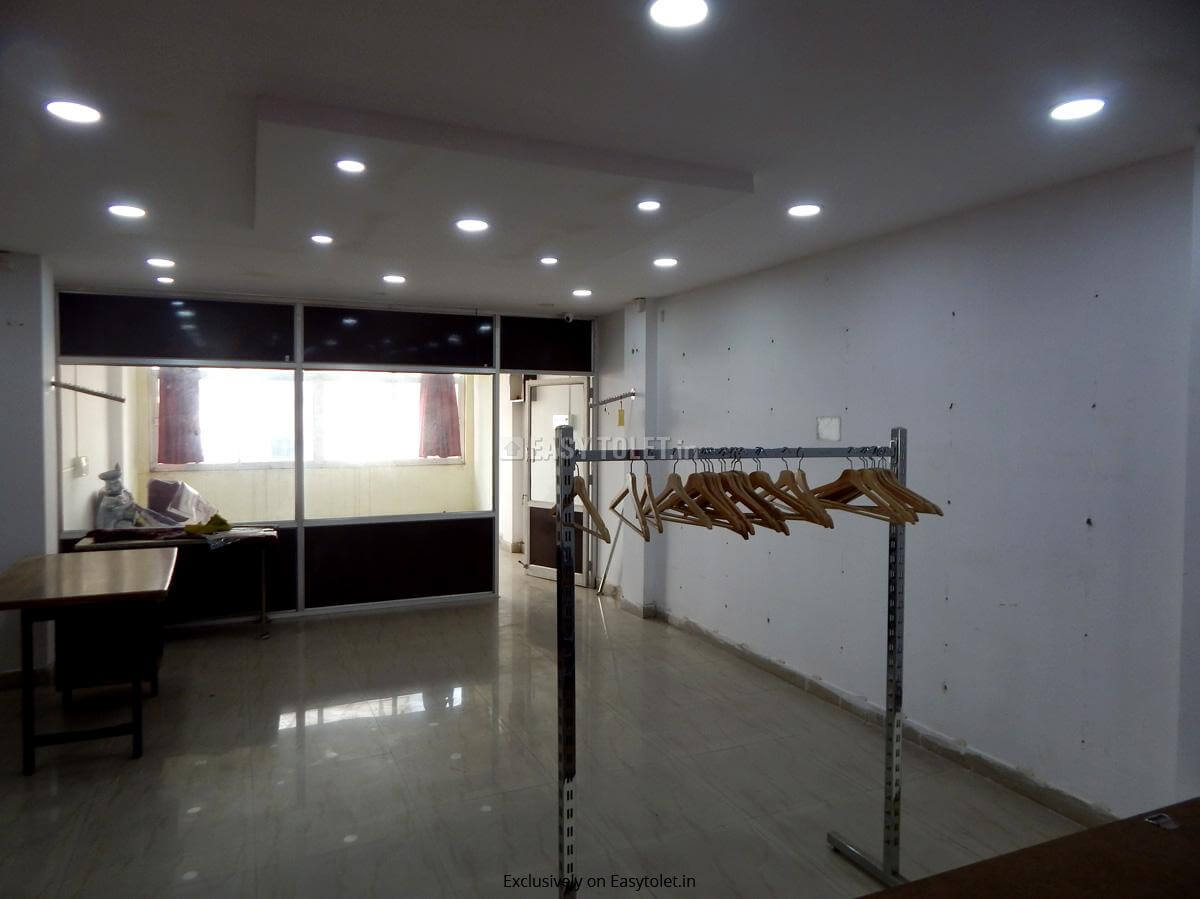 Commercial Office space around 900 sft for rent in Chikkadpally near metro and public transport
