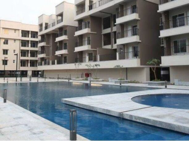 2BHK with extra study room recently renovated overlooking swimming pool