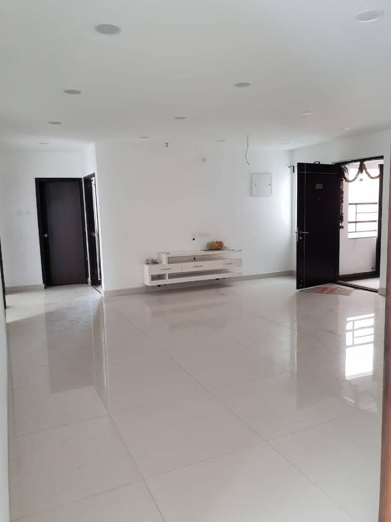 Furnished 4 BHK Flat for Immediate Sale at Rainbow Vistas Rock Garden