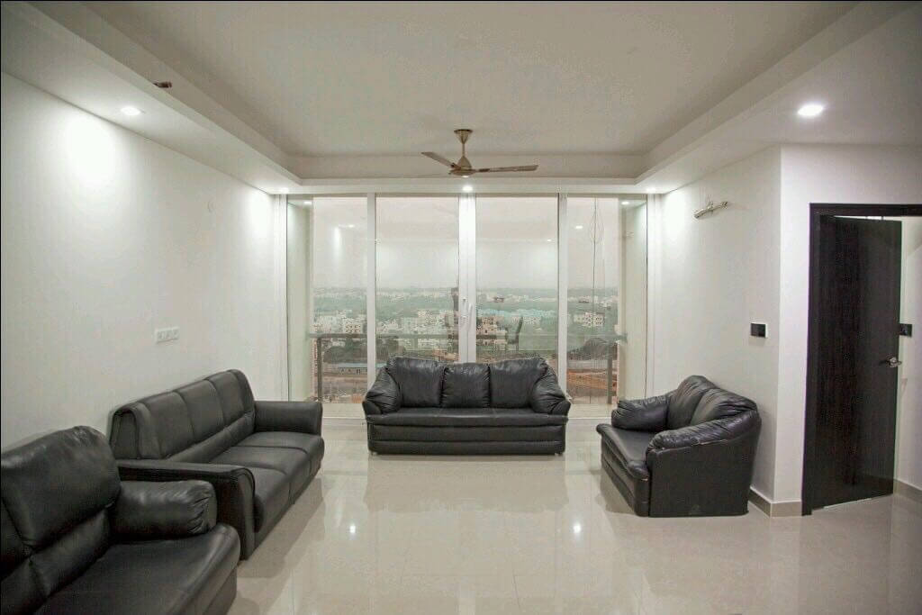 FLATS FOR SALE IN A GATED COMMUNITY WITH 40+ HIGH CLASS AMENITIES
