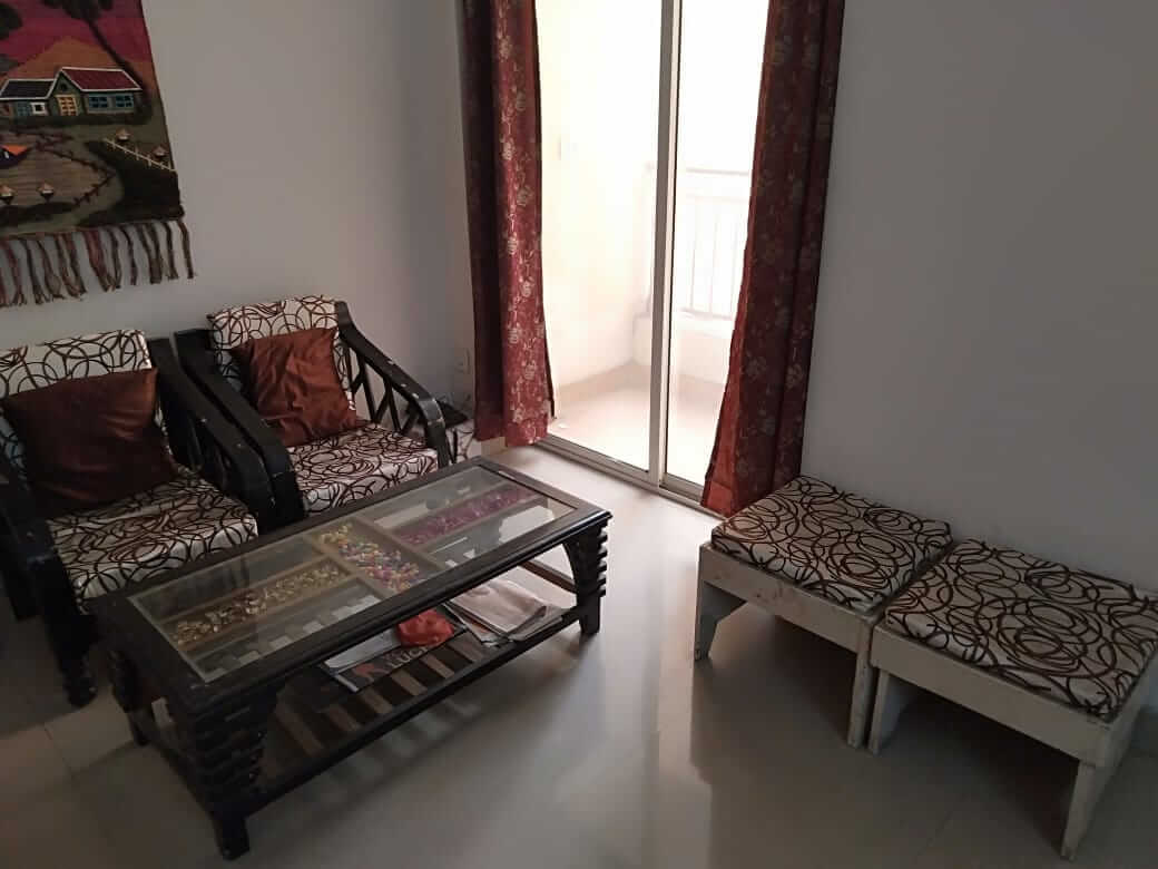 this floor for rent and any family outer  are alloud and this is fully furnished
