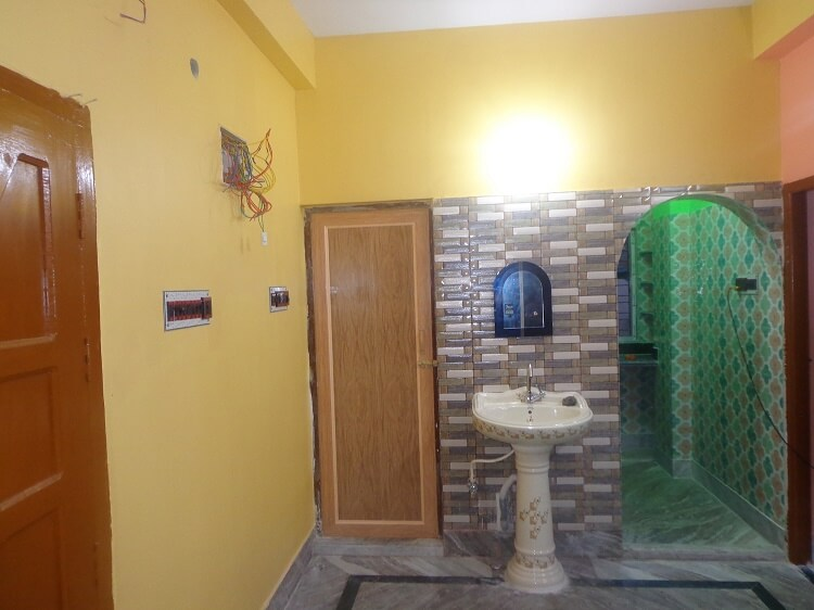 Independent House for Rent 600 Sq. Feet at Kolkata, South City II
